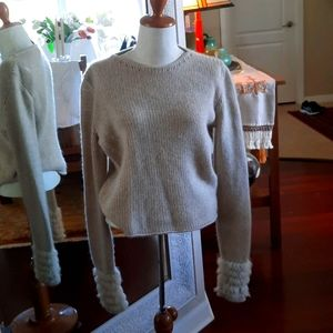 100%Cashmere- 100% Lapin Rabit Fur Knit Crop Top.